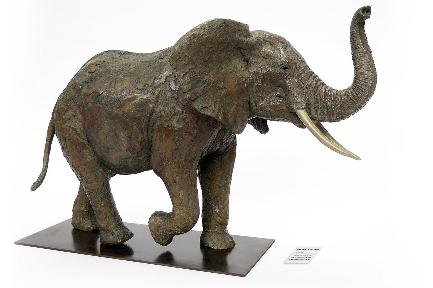 Eléphant sculpture réalisée par Pierre-Jean Chabert